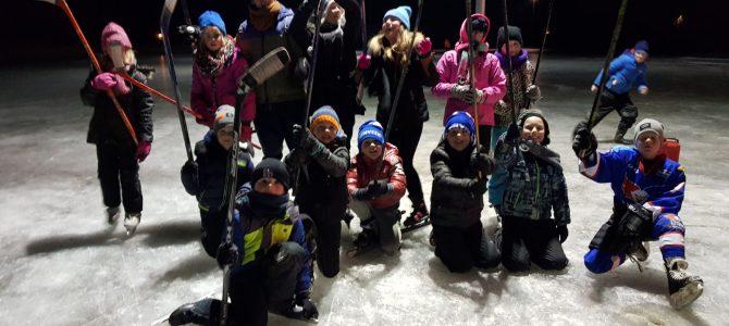 Enthousiaste deelname bij ijshockey clinic UNIS Flyers